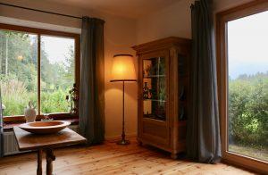 Wohnzimmer mit Blick in Garten | Laubenstein